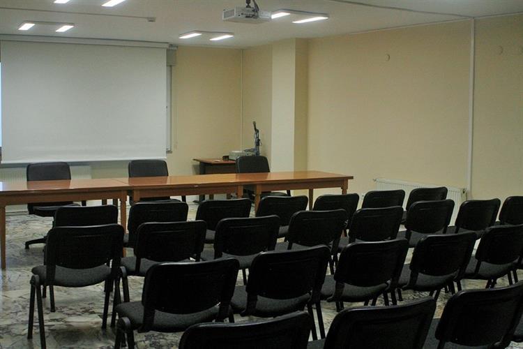 Yenilenen Salonumuzda Düzenleyeceğiniz Firma Seminerlerinizi Bekliyoruz. 2